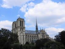 Notre Dame, la cathédrale la plus belle à Paris Vue de la rivière la Seine, France photo stock