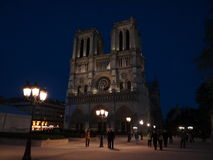 Notre Dame na noite Imagens de Stock Royalty Free