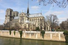 Notre Dame och sena flod Royaltyfria Bilder