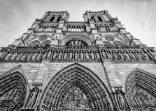 Notre Dame Paris en blanco y negro Imagen de archivo libre de regalías