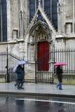 Notre Dame, puerta lateral roja Foto de archivo libre de regalías