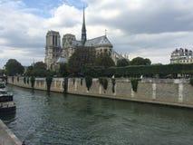 Notre Dame u. die Seine Stockbild