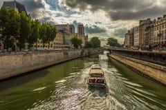 Notre Dame und die Seine in Paris Frankreich Stockfotografie