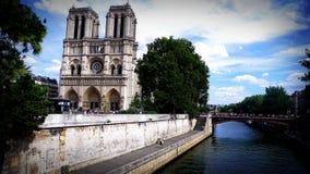 Notre Dame y río Sena, París, Francia Imágenes de archivo libres de regalías