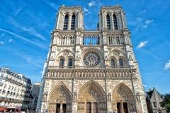 Notre paniusi Paris gargulece i statuy Obraz Royalty Free