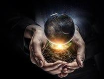 Notre planète a besoin de soin et d'amour Image libre de droits