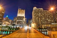 Notte al parco di Riverwalk in Chicago del centro, Illinois Fotografie Stock