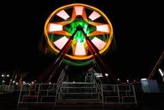 Notte alla Luna Park locale Fotografia Stock Libera da Diritti