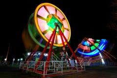 Notte alla Luna Park locale Fotografia Stock