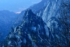 Notte alle montagne immagini stock