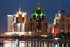 Notte Astana fotografie stock libere da diritti