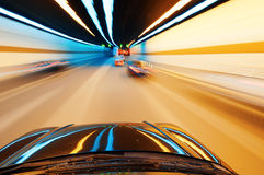 Notte, automobile ad alta velocità Immagine Stock