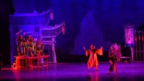 notte ballo-acrobatica di sogno di showBaixi di nuo video d archivio