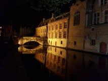 Notte a Bruges fotografie stock libere da diritti