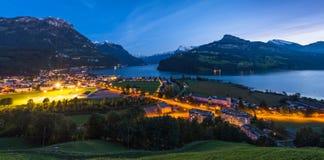 notte Cantone Svitto, città di Brunnen Fotografie Stock