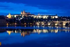 Notte del castello di Praga Immagini Stock Libere da Diritti