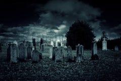 Notte del cimitero Fotografie Stock Libere da Diritti