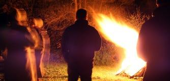 Notte del falò fotografie stock libere da diritti