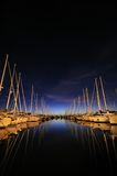 Notte del porticciolo del crogiolo di vela Fotografia Stock Libera da Diritti