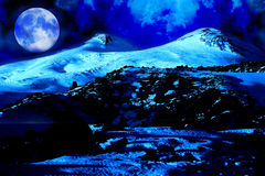 Notte della luna in Elbrus Mt, punto 4500 tester di als Fotografia Stock Libera da Diritti