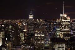 Notte delle Empire State Building dell'orizzonte di New York City Fotografia Stock Libera da Diritti