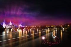 Notte di colore del ponte di Charles Immagini Stock