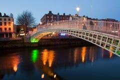 Notte di Dublino fotografie stock libere da diritti