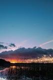 Notte di estate svedese dal lago Fotografie Stock Libere da Diritti