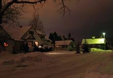 Notte di inverno all'azienda agricola fotografie stock