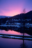 Notte di inverno dal canale dell'acqua Fotografia Stock Libera da Diritti