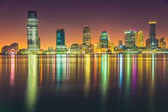 Notte di Jersey City, Hudson River Fotografie Stock Libere da Diritti