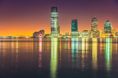 Notte di Jersey City, Hudson River Immagini Stock