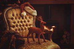 Notte di Natale da un fuoco di ceppo di urlo fotografie stock
