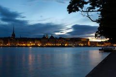 Notte di Quay a Stoccolma sweden Fotografie Stock Libere da Diritti