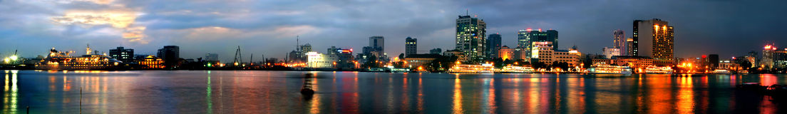 Notte di Saigon (panorama) immagini stock
