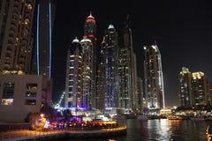 Notte in Doubai fotografia stock libera da diritti