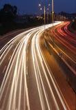 Notte lunga di esposizione sparata della strada principale Fotografia Stock Libera da Diritti