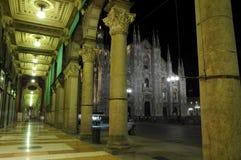 Notte Milano della cupola Immagini Stock