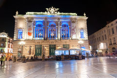 Notte nell'architettura meravigliosa di de la Comédie del posto del hist fotografia stock