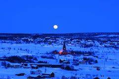 Notte nella città di inverno immagini stock