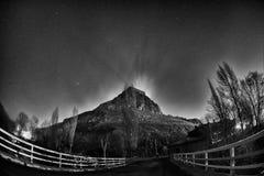 Notte Panaroma in castello e stelle di Kars fotografia stock libera da diritti