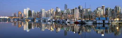 Notte panoramica del centro di Vancouver Fotografia Stock Libera da Diritti