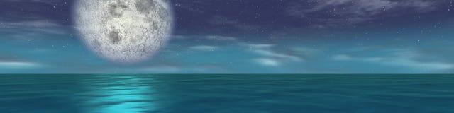 Notte panoramica della luna del mare Fotografia Stock