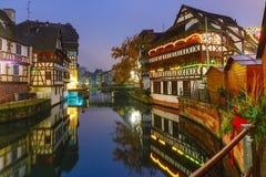 Notte Petite France a Strasburgo, l'Alsazia Fotografie Stock Libere da Diritti