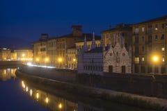 Notte Pisa, Toscana, Italia, Europa di Lungarno Fotografia Stock