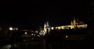 Notte Prag - nocni Praga di Hradcana Immagine Stock Libera da Diritti