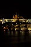 Notte Prag - nocni Praga di Hradcana Immagine Stock
