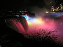 Notte sparata del cascate del Niagara, lato americano Immagine Stock