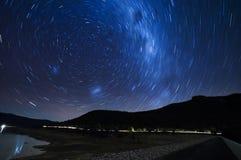Notte stellata, lago Bellfield, Victoria, Australia Fotografia Stock