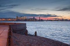 Notte sul Neva Fotografie Stock Libere da Diritti